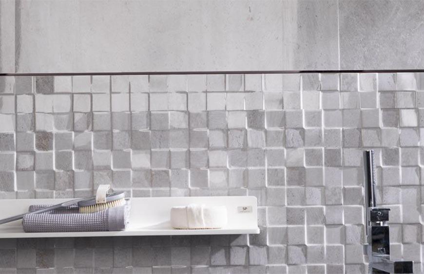 Cómo mezclar diferentes azulejos en una pared